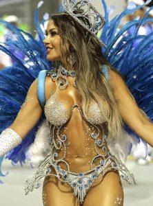 ブラジル女性 美女のサンバ