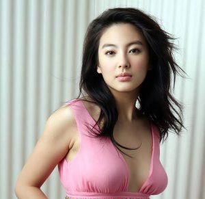 美人でかわいい中国人女性彼女付き合う