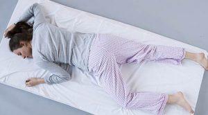 横向き寝で肩が痛い 首が痛い原因と対策 妊娠中 横向き寝専用枕YOKONE(ヨコネ)3で痛み改善