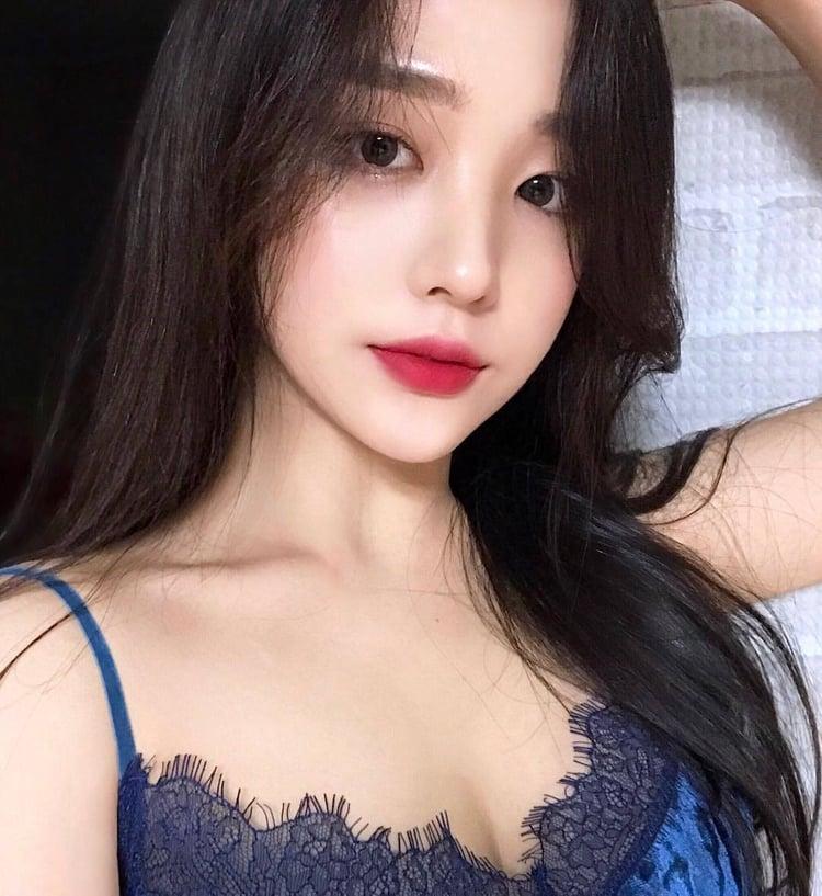 韓国美女は色白でかわいい