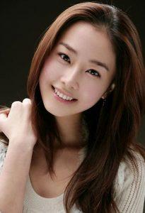 色白で美人な韓国美女